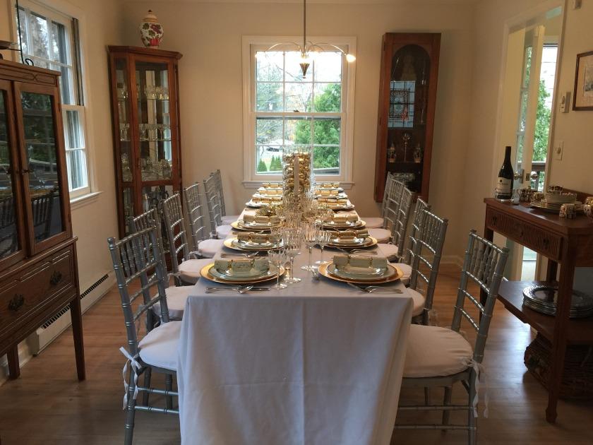 https://pixabay.com/en/dinner-party-table-setting-1927082/