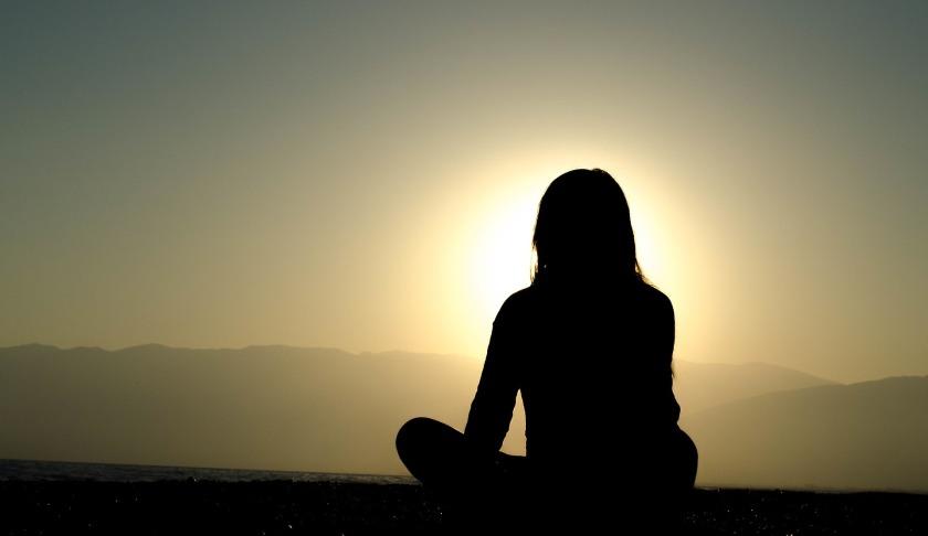 https://pixabay.com/en/sunset-dusk-silhouette-shadow-girl-691848/