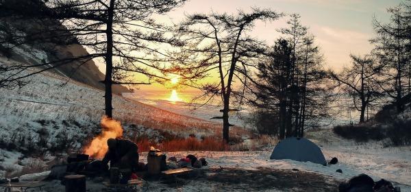https://pixabay.com/en/wintry-camping-adventure-outdoor-2065342/